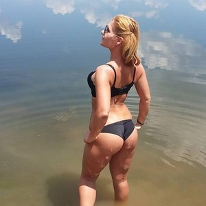 amyhere1 Cam Girls, amyhere1 Videos, amyhere1 MyFreeCams