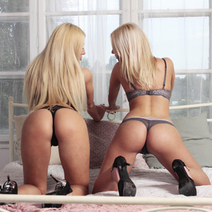 BlondyStars My Free Cams