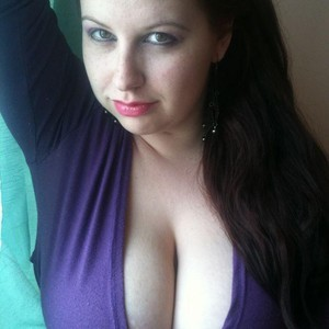 HugeBoobs4fun XXX Chatrooms