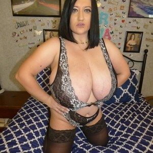Rayna_dear My Free Cams