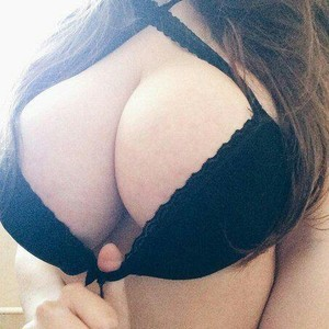 Tasty_Tits_ Sex Cams